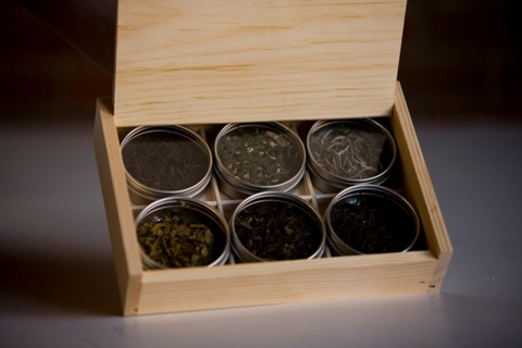 Whole_leaf_gift_box_-_open_22